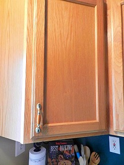 Creative Magnetic Recipe Holder for Wooden Cabinets
